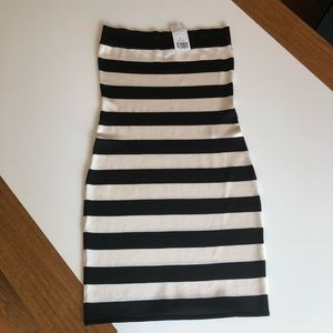 🎃 Black & White Stripe Strapless